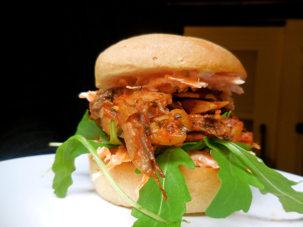 Vegan Pulled Pork Burger