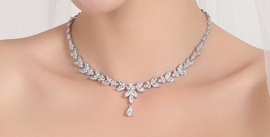 Statement silver necklace bride