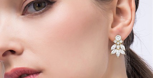 Bride vintage style bridal earrings gold