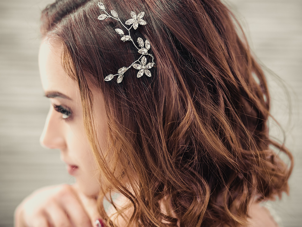 hair accessories for bride with short hair