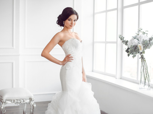 How to Choose Bridal Earrings to Suit Your Wedding Dress