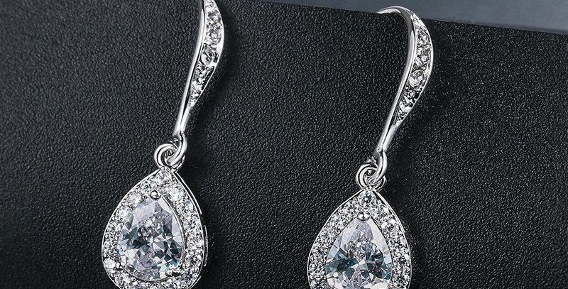 simple drop earrings wedding
