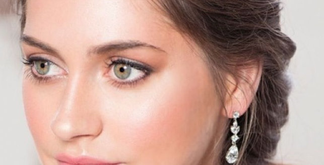 Bride with clip-on bridal earrings