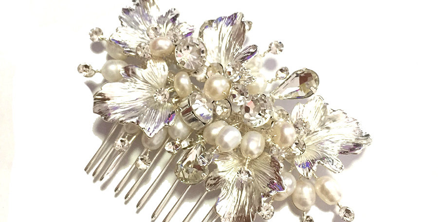 Gorgeous crystal and pearl bridal hair comb