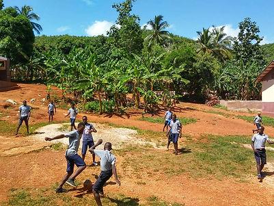 association ong  agir pour l'éducation des jeunes en haitï