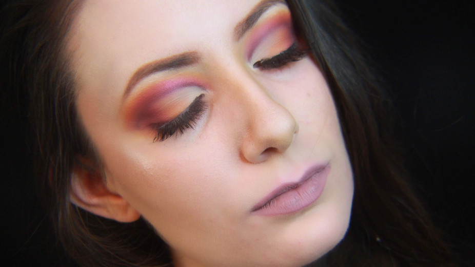 End Of Summer Pink And Orange Cut Crease Makeup