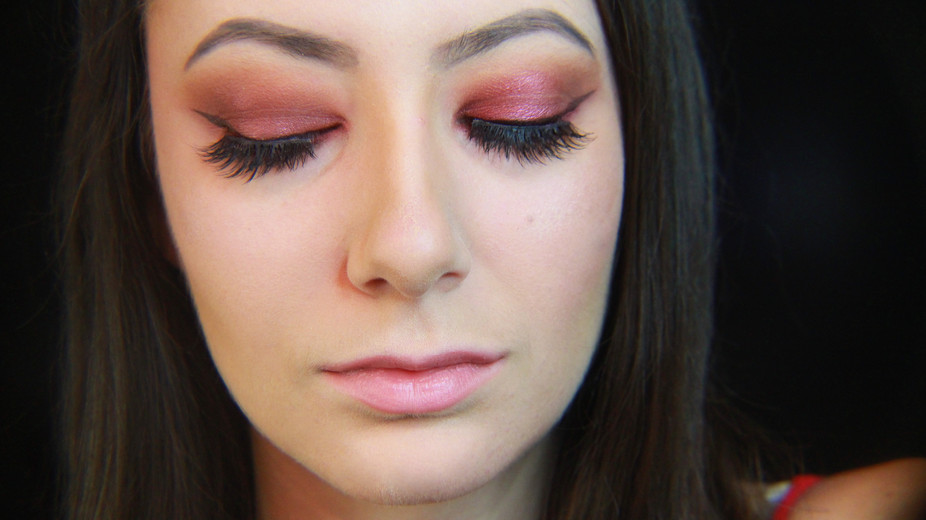 Sparkly Orange And Pink Makeup Look