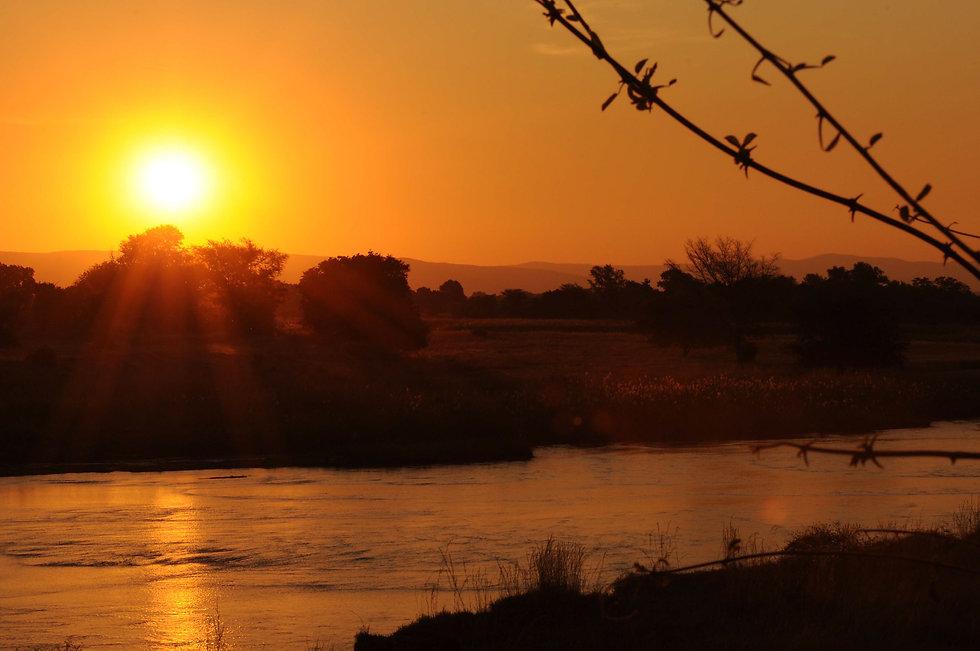 sunset_north_luangwa_valley.jpg