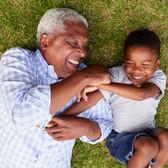 Grand-père et Grandchild Avoir du plaisir