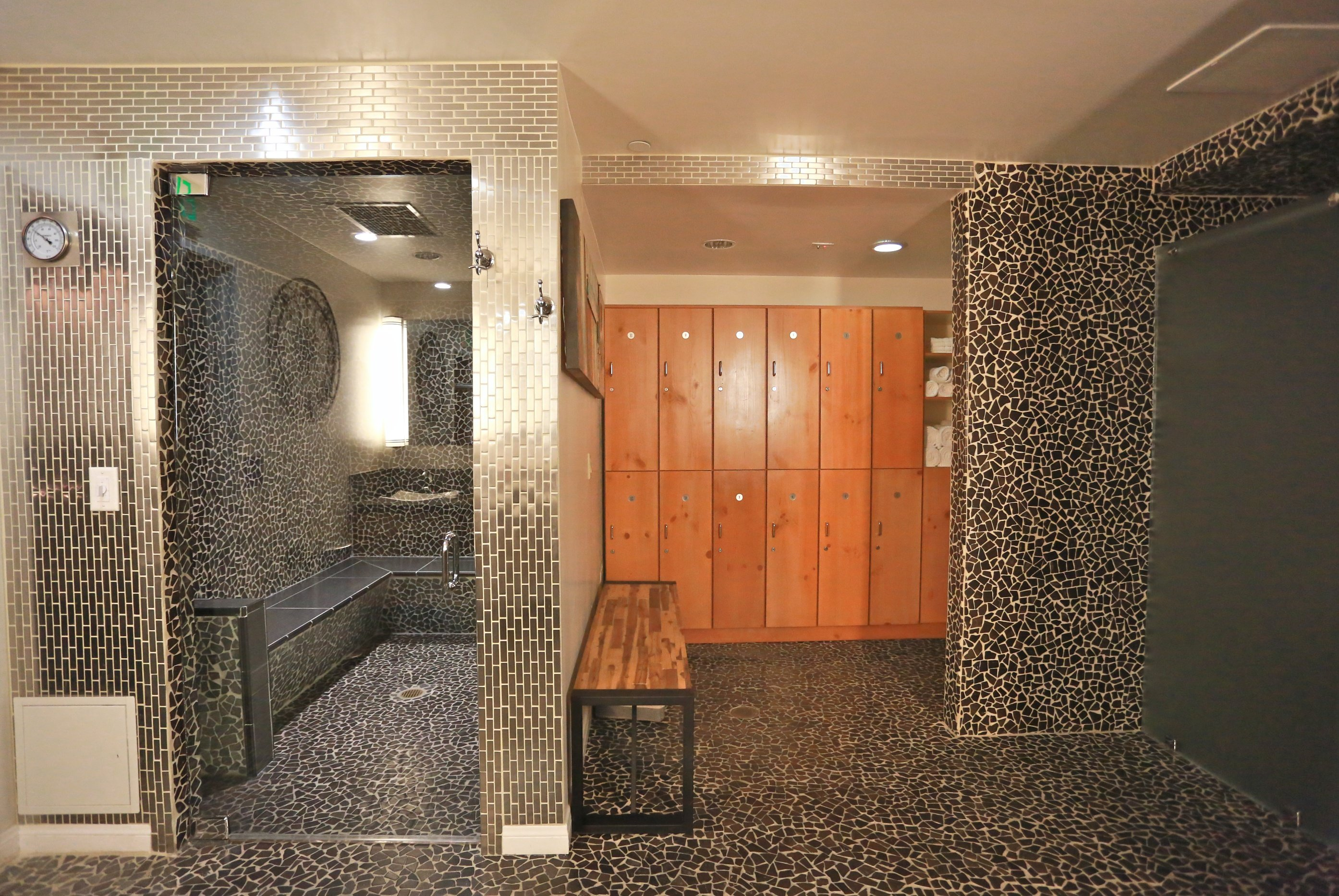 Men's Steam Room