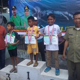 Siswa SD Al-Amjad Raih Juara dalam Kejuaraan Renang