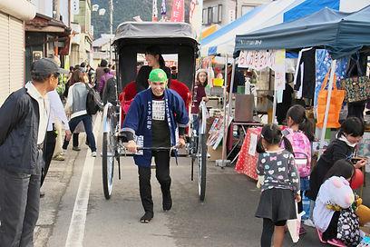 下仁田ねぎ祭りで人力車