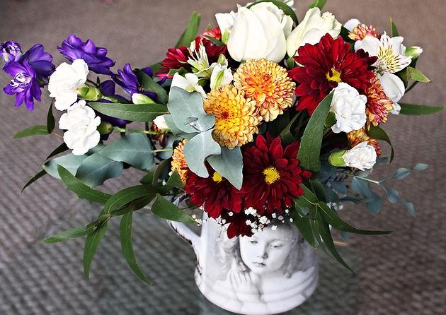 Las Flores Y Las Quinceañeras