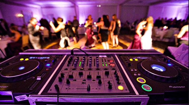 wedding-DJ-Service.jpg