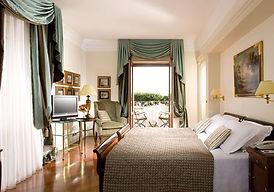 HOTEL MEDITERRANEO.jpg