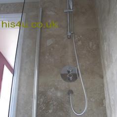 bathroom 1 p2.jpg