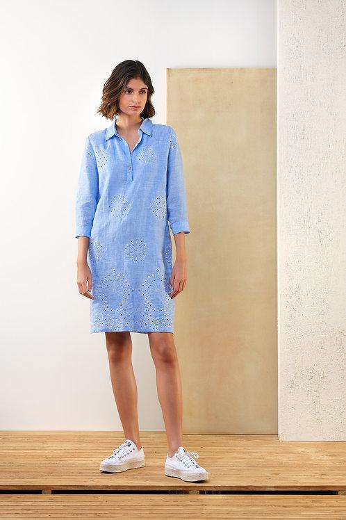Kort lichtblauw kleedje met witte dessin Atmos
