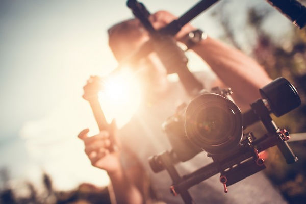 camera-gimbal-dslr-video_1426-942.jpg