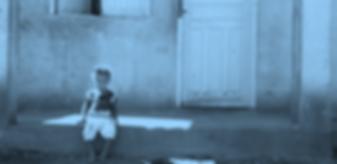 Criança_sentada.png