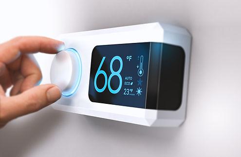 thermostat-home-energy-saving-P9XQH92.jp