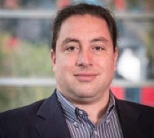 Dr Aron Perenyi