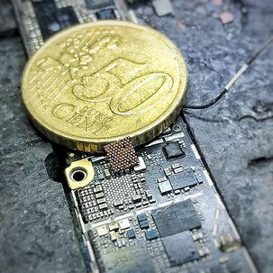 BrazeLab moederbord reparatie.jpg