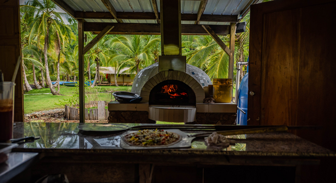 pizza oven restaurant.png