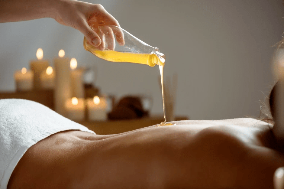 Abhyanga massage session