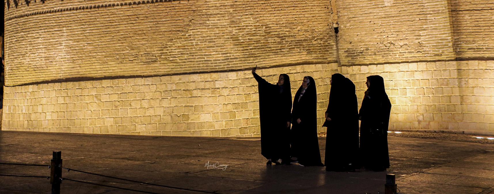 2019-11 IRAN Shiraz (POW) 01 LONG 452A15