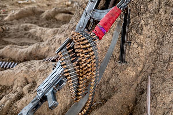 2021-02-19 Mundari Camp - Weapons (POW)