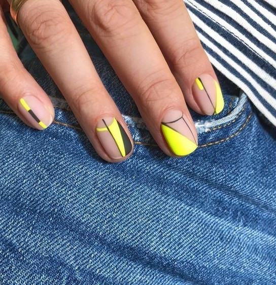 neon nail polish esmalte de uñas color neon beauty moda belleza tendencias trends