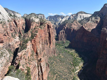 A Guide to Hiking Angel's Landing in Zion National Park