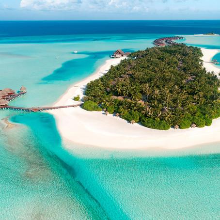 Algunos sueñan con una pequeña villa en las Maldivas, pero ¿Qué tal una isla completa?