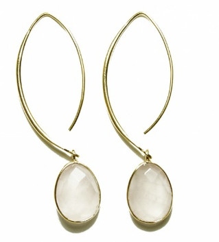 New at Bobbery, Ozom by Barrucci, this jewelry collection brings aunique translation of the latest