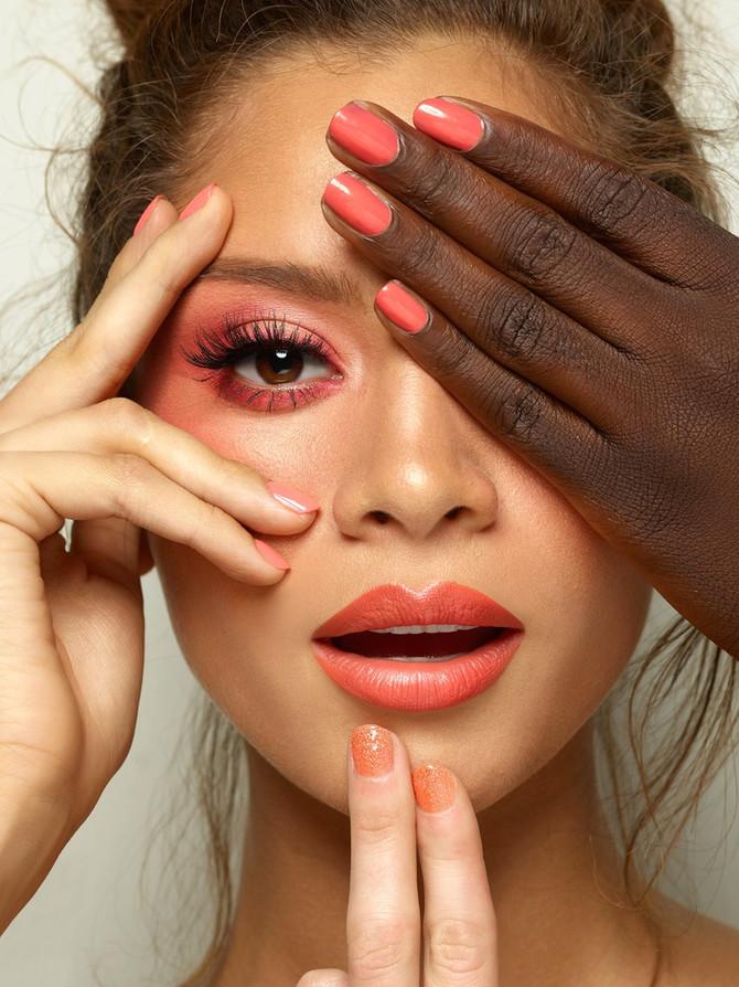 """Maquillaje primaveral usando el color del año """"Living Coral"""""""