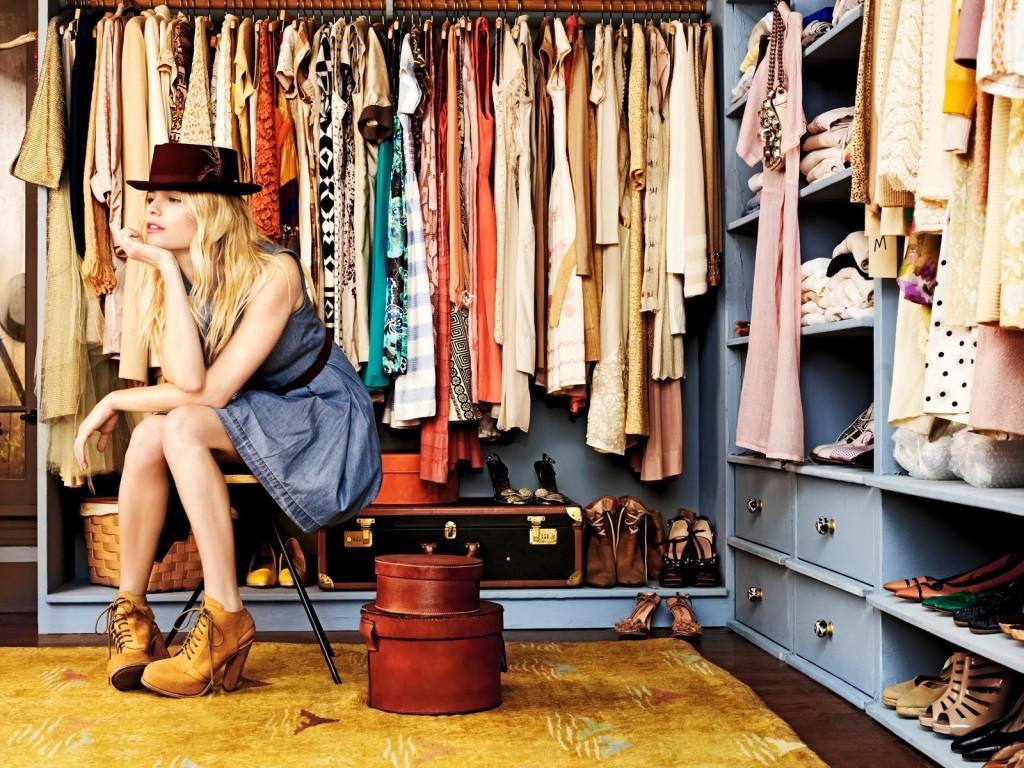 Es Momento De Organizar Tu Closet Be Plus Magazine Plus Size  ~ Como Organizar Un Armario De Ropa