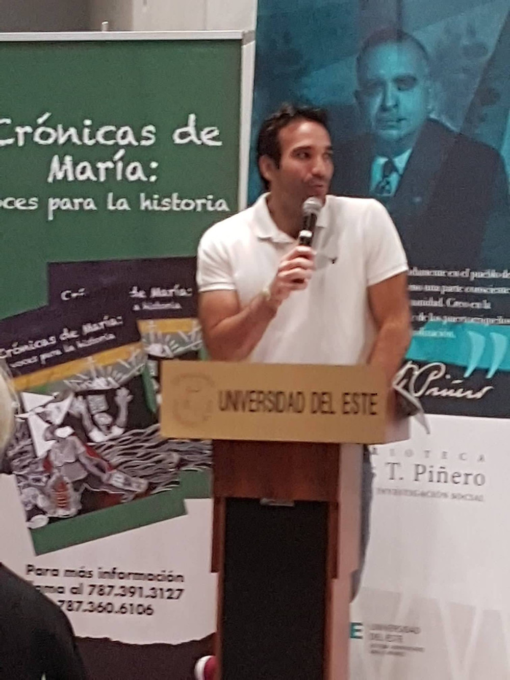 El escritor Guillermo Rebollo Gil
