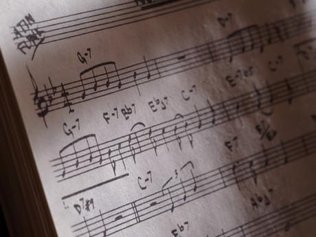 新設「実用!コードで弾くピアノ」クラス