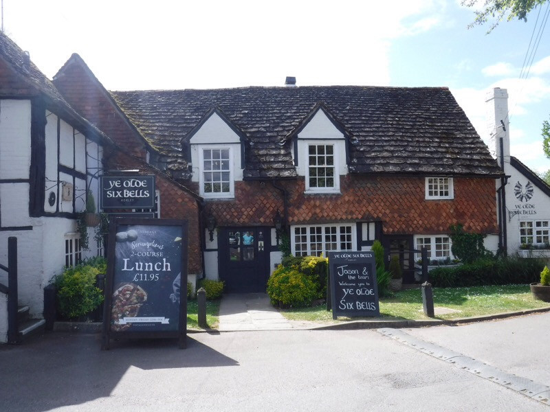 Image of Ye Olde Six Bells Pub in Horley, England