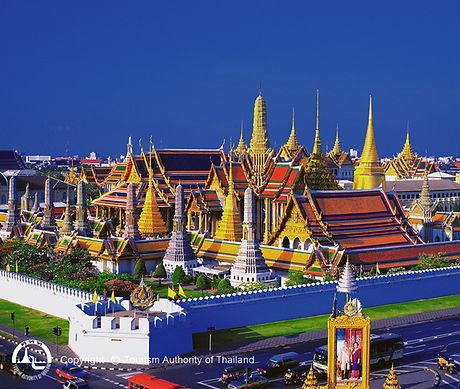Wat_Phra_Kaeo_BKK_2.jpg