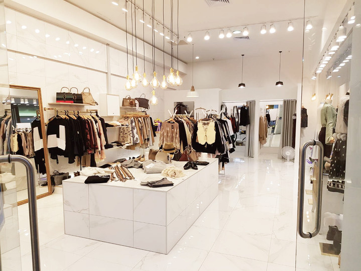commercial shop fitting   LUXE