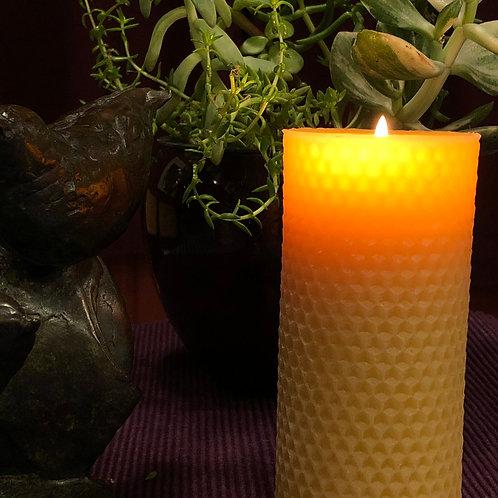Natural Beeswax Honeycomb Pillar