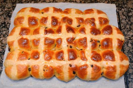 Hot Cross Buns with Apricot Glaze