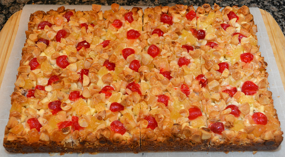 Tropical Pina Colada Macadamia Cookie Bars