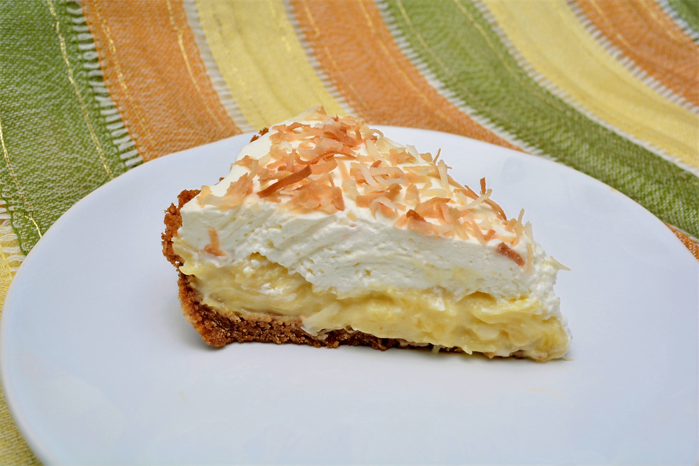 Refreshing and Bright Pineapple Coconut Cream Pie