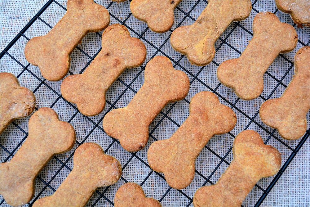 Healthy Peanut Butter Banana Dog Cookies
