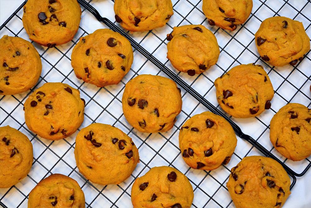 Cake-like Pumpkin Chocolate Chip Cookies