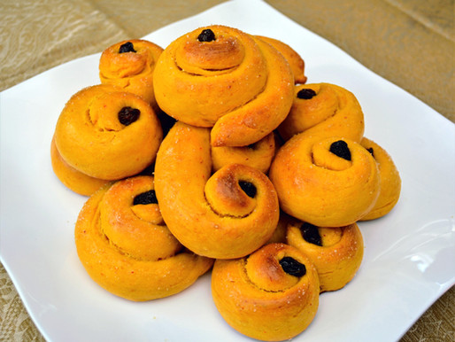Swedish Saffron Buns (Lussekatter or Lussebullar)