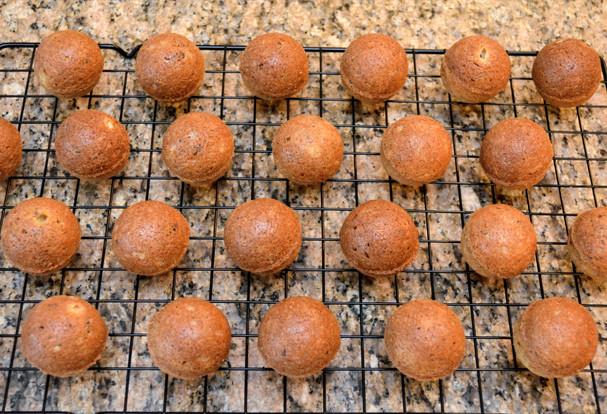 Cinnamon Pecan Vanilla Cake Pops cooling before decorating
