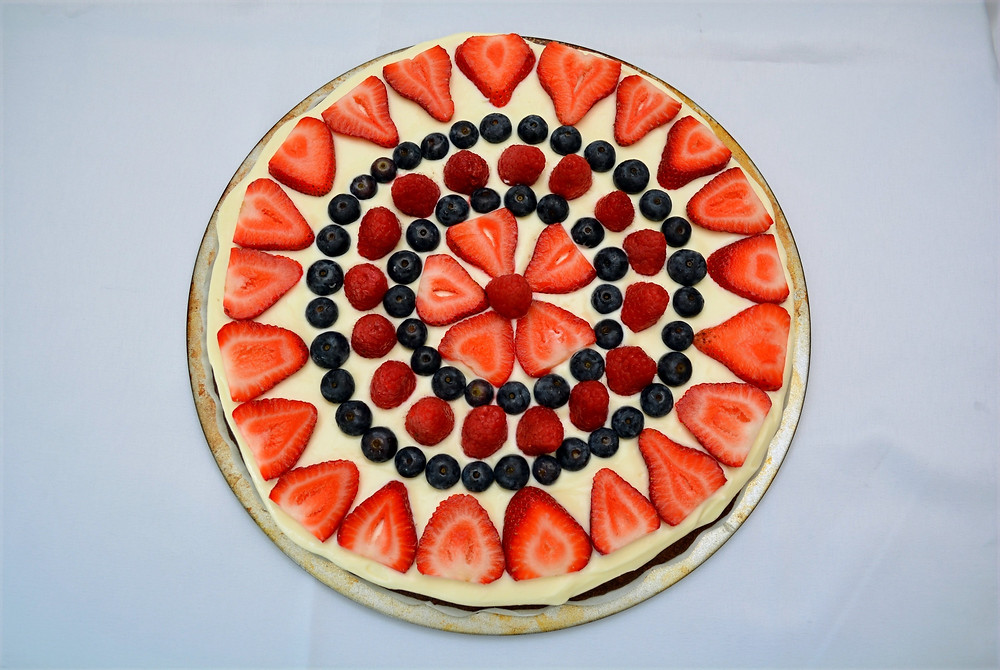 Beautifully Vibrant Patriotic Berry Brownie Pizza